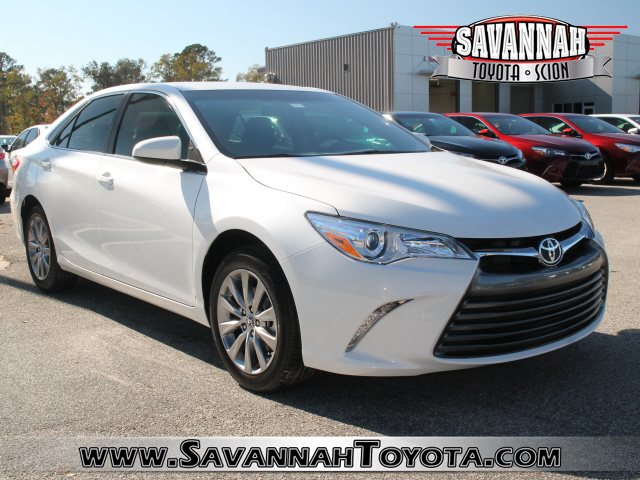new 2017 toyota camry xle 4d sedan in savannah u342537. Black Bedroom Furniture Sets. Home Design Ideas