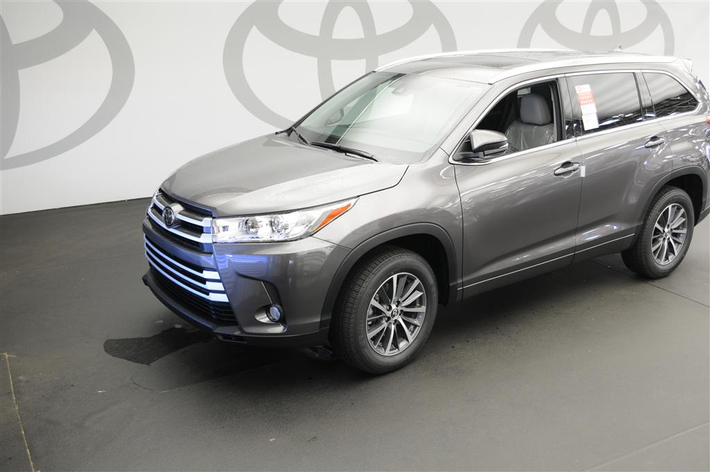 new 2017 toyota highlander xle xle 4dr suv in savannah s198131 savannah toyota. Black Bedroom Furniture Sets. Home Design Ideas